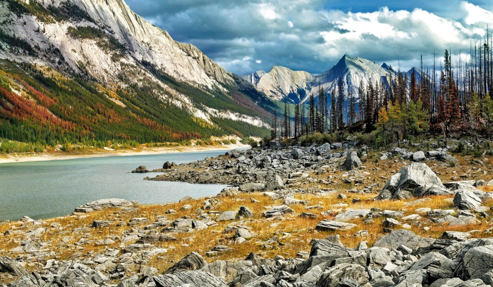 Medicine Lake with mountains in the background in Jasper National Park.