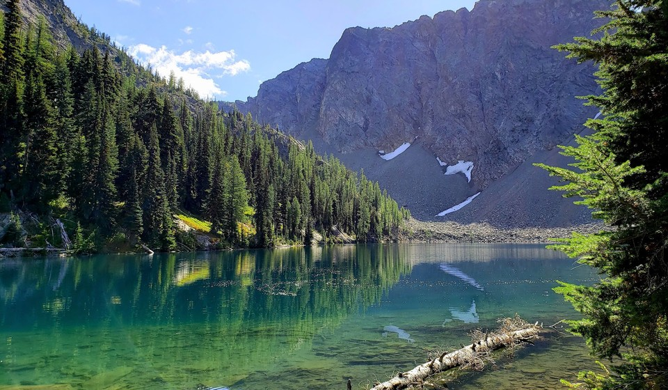 Blue Lake Washington State with its emerald color