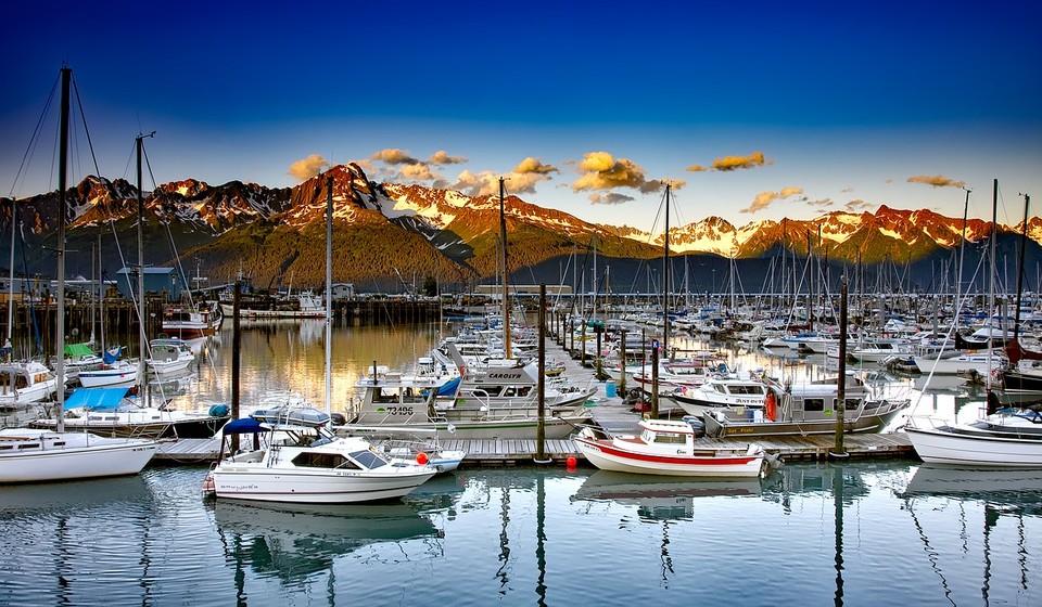 Marina with mountain views in Seward