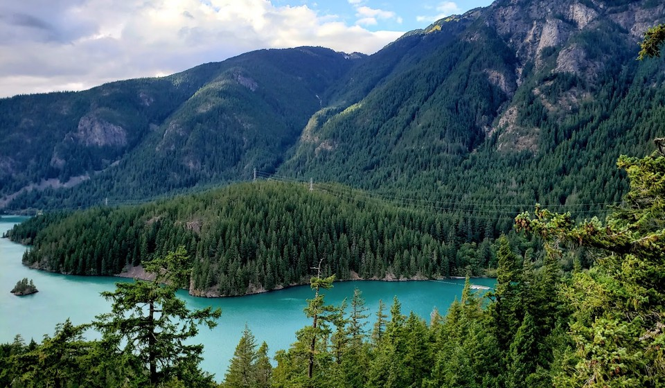 Turquoise lakes of North Cascades