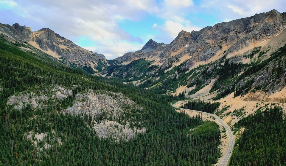 Mountain views in the North Cascades National Park
