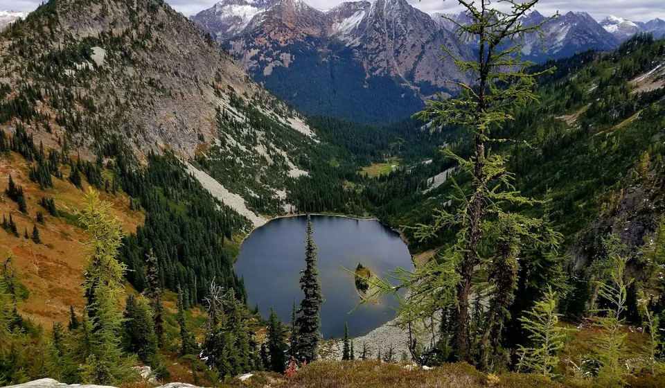 View of the famous Lake Ann from the Maple Pass Loop North Cascades hike